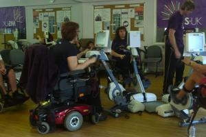 Image of nice people using the Gym.